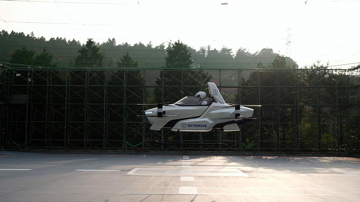 Japonya daki uçan araba projesinde yolculu deneme uçuşu #2
