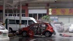Çin'de bir elektrikli otomobil şarj esnasında patladı