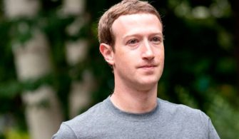 Facebook CEO'su Mark Zuckerberg hangi telefonu kullanıyor?